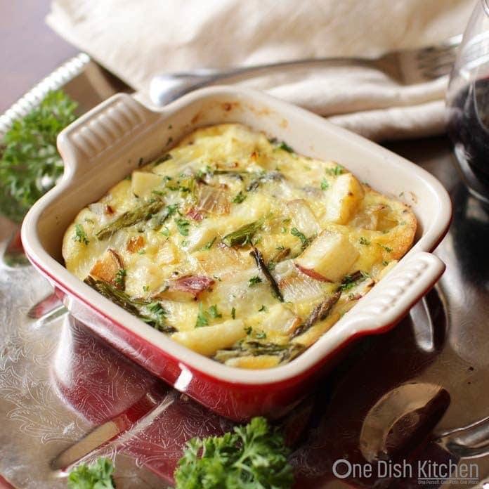 potato crustless quiche in a baking dish | one dish kitchen