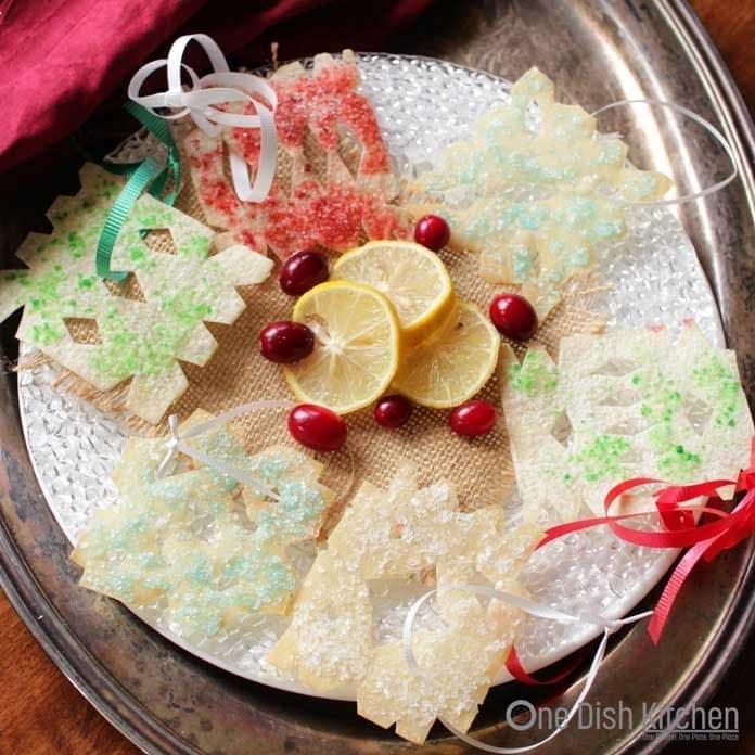 How to display snowflake wonton ornaments | One Dish Kitchen