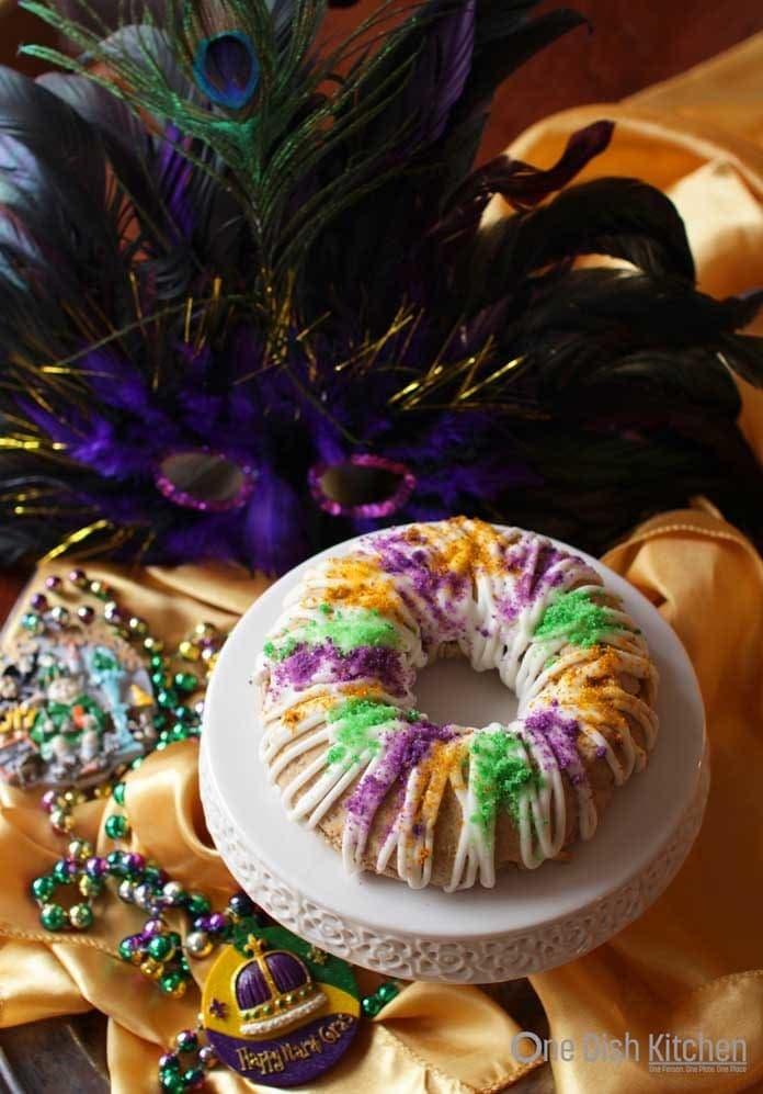 Mini King Cake | One Dish Kitchen