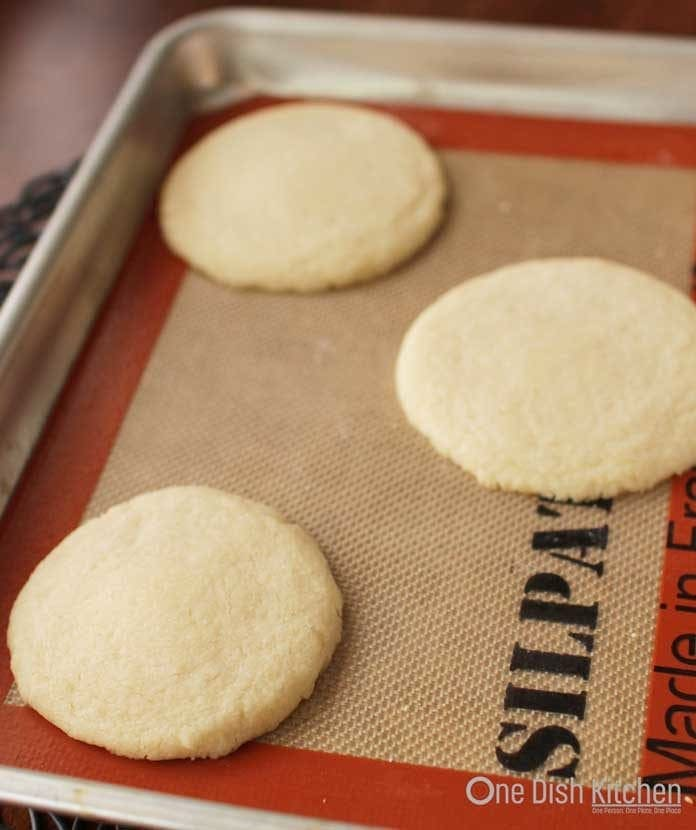 shortbread cookies on a baking sheet   one dish kitchen