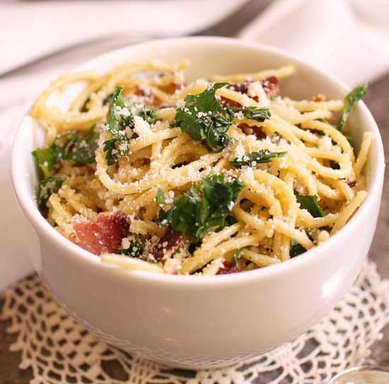 pasta carbonara in a bowl.