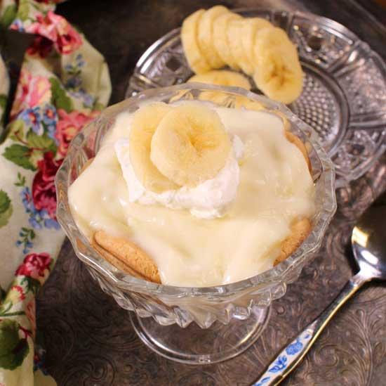 a single dish of banana cream pie